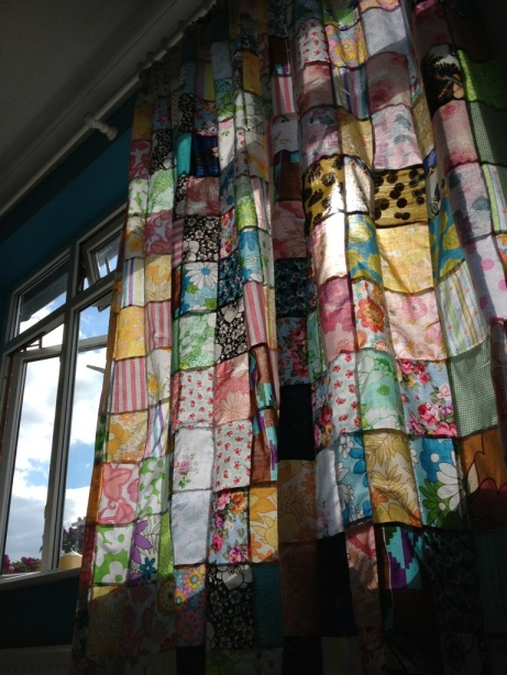 Little Stitch Blog: Patchwork Curtains