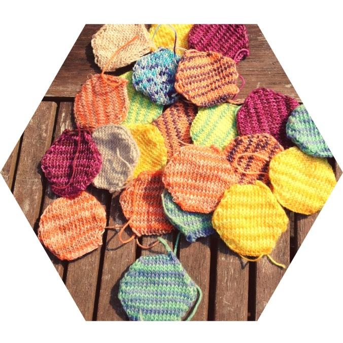 Hexagonal knitted pieces