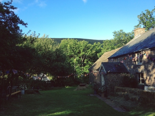 Little Stitch Blog: Stone cottage in the Brecon Beacons